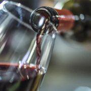 Erection et alcool, les risques et troubles érectiles possibles